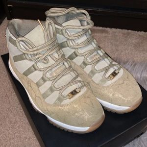 Jordan 11 Retro Neutral Olive (W)
